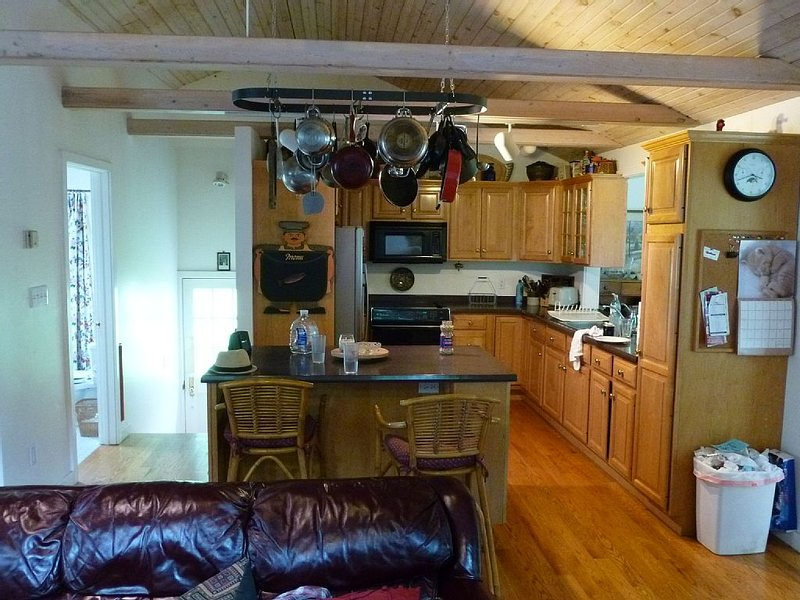 4.5 miles from beaver stadium!, holiday rental in State College