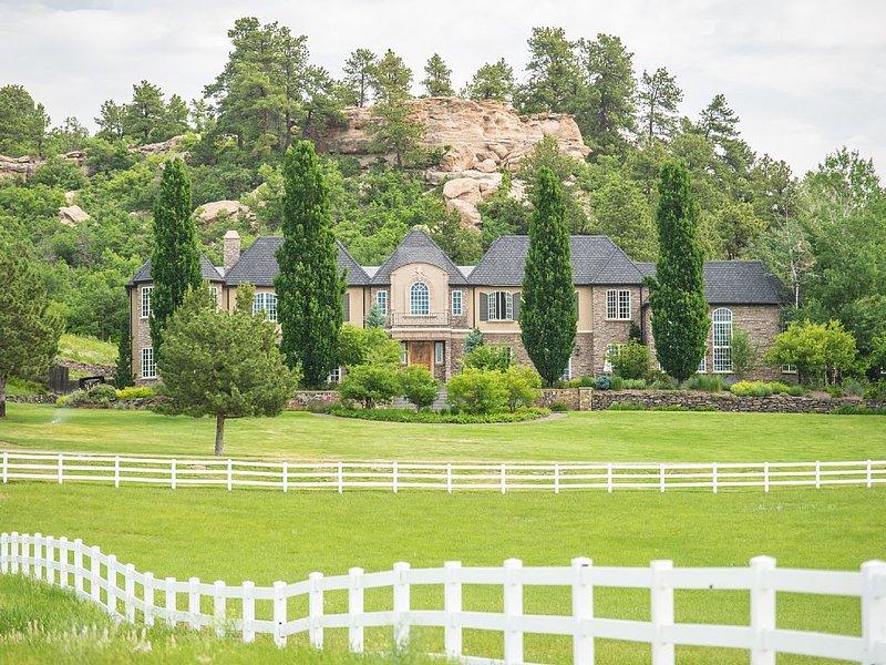 European Style Chateau, location de vacances à Parker