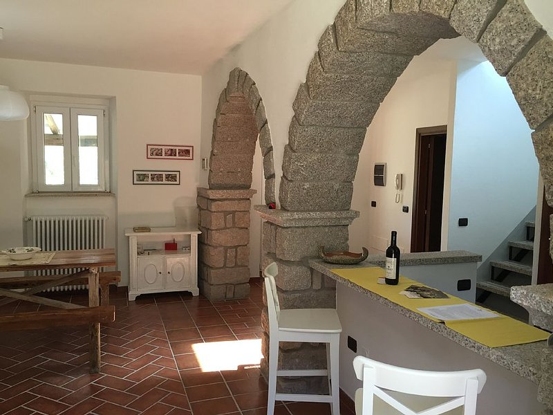 A vineyard house in the heart of Northeastern Sardinia – semesterbostad i Aggius
