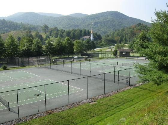 Sky Valley hard courts