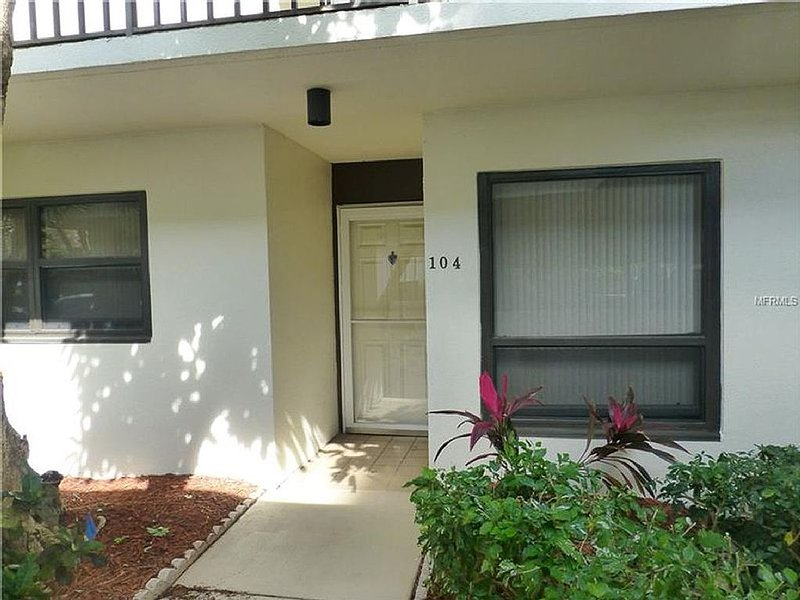 Paradise at Isla Del Sol Saint Petersburg, FL, vacation rental in St. Petersburg