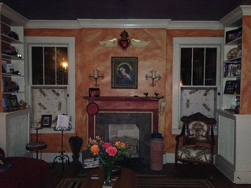 Living/Dining room has a gas fireplace.