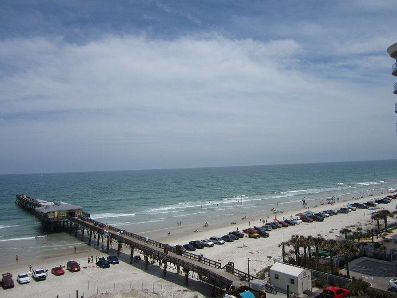Beautiful Florida Condo in Oceanfront Building, vacation rental in Daytona Beach Shores