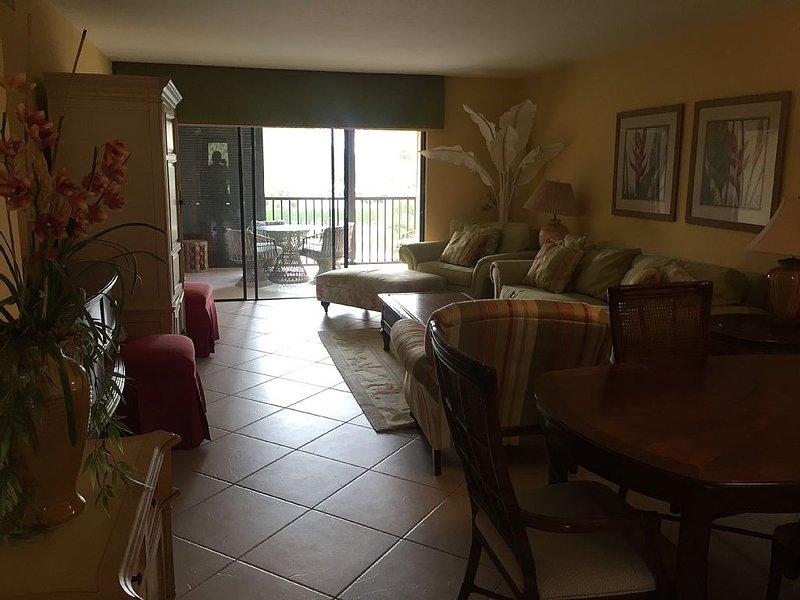 Beautiful South Beach Condo, Close Beach Access, Sleeps 4, location de vacances à Goodland