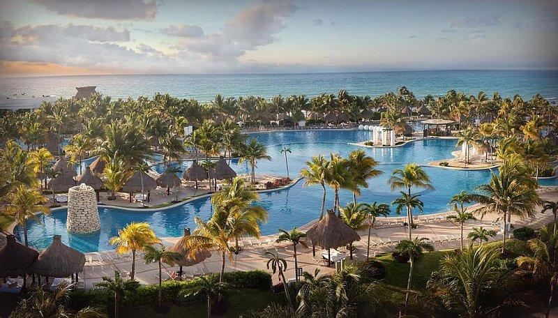 Luxury Golf and Beach Resort in Beautiful Mayan Riviera, vacation rental in Playa Paraiso