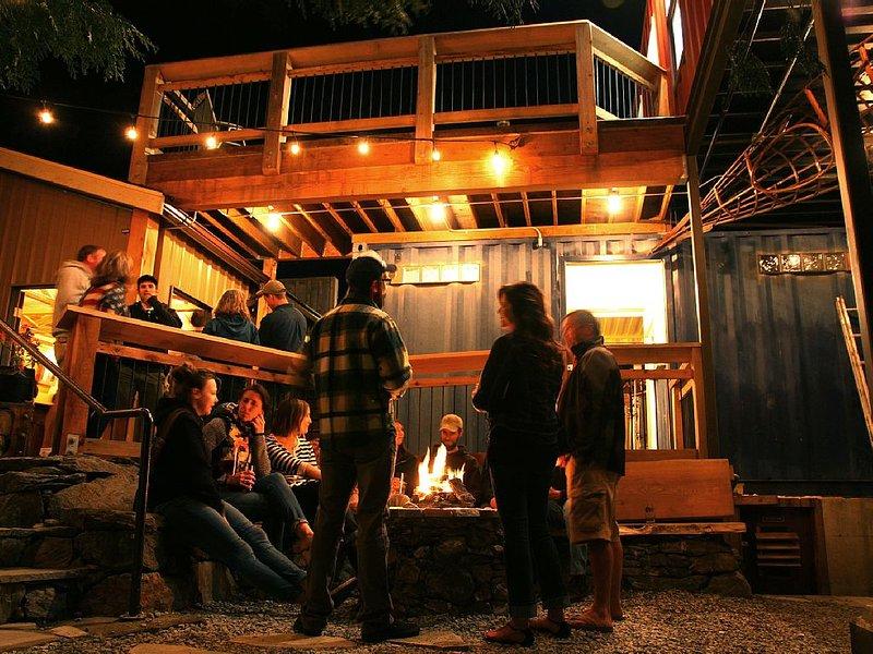 Cozy Micro-Brewery Home, casa vacanza a Bellingham