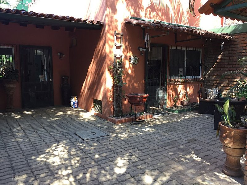 Casa Guacamayo ~ charming Las Aralias, vacation rental in Puerto Vallarta