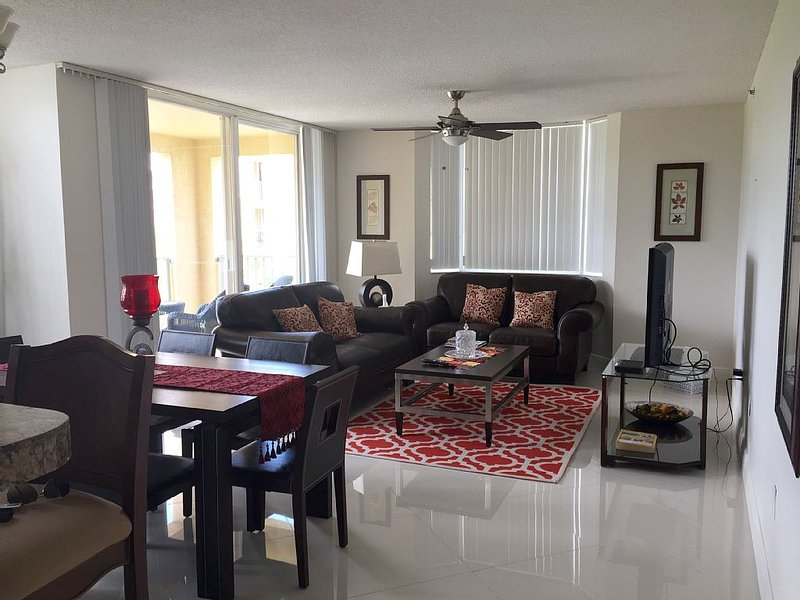 3bed 2bath Luxury Yatch Club Condo at Aventura Fl, Parking Include!, vacation rental in Sunny Isles Beach