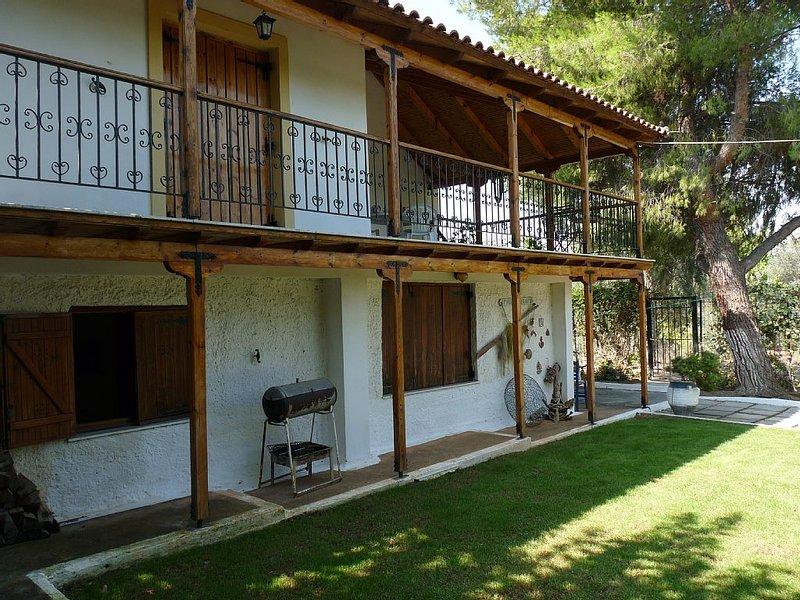 Maison de vacances | 4 Pièces | 500m de la Mer | Proche Athènes, Grèce, location de vacances à Skala Prinou