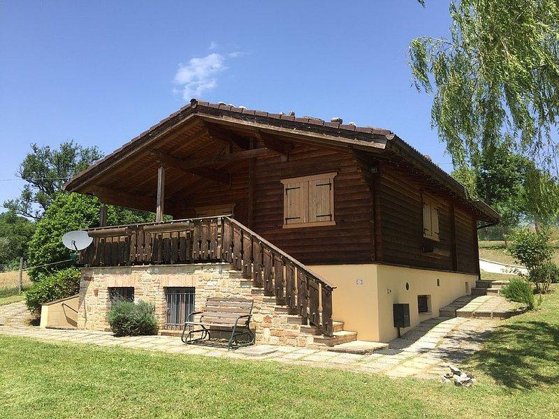 Stunning Property in a Tranquil Position, alquiler de vacaciones en Gualdo