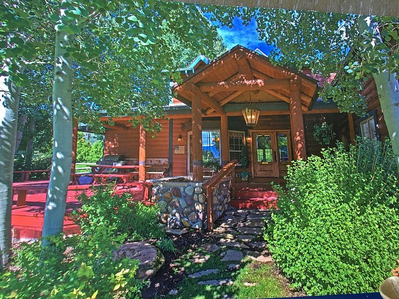 FAVORITE WINTER DESTINATION CHARMING GETAWAY CABIN BY PARK CITY, casa vacanza a Timber Lakes
