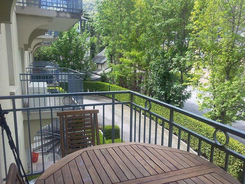 APT T2 - RESIDENCE LES JARDIN DU CASINO- LUCHON, holiday rental in Saint-Mamet