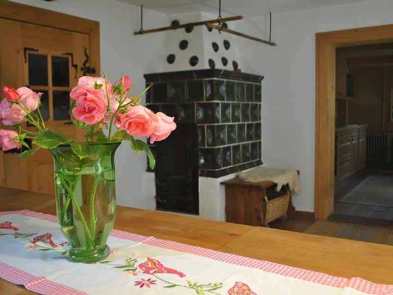Uriges Holzhäuschen Beim Rocherl am Burgstall, holiday rental in Tittmoning