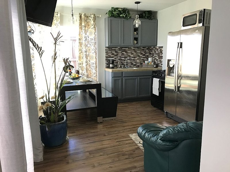 Cozy Home Near San Diego Downtown, vacation rental in San Diego