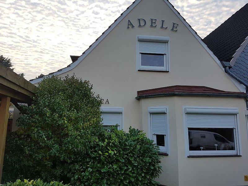 Haus Adele - top renoviertes Haus in ruhiger Lage, 700m zum Hafen und Strand, holiday rental in Kiel
