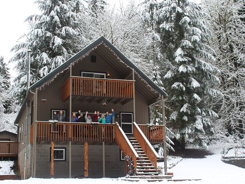 Relaxing Fall Creek Vacation Rental, holiday rental in Oakridge
