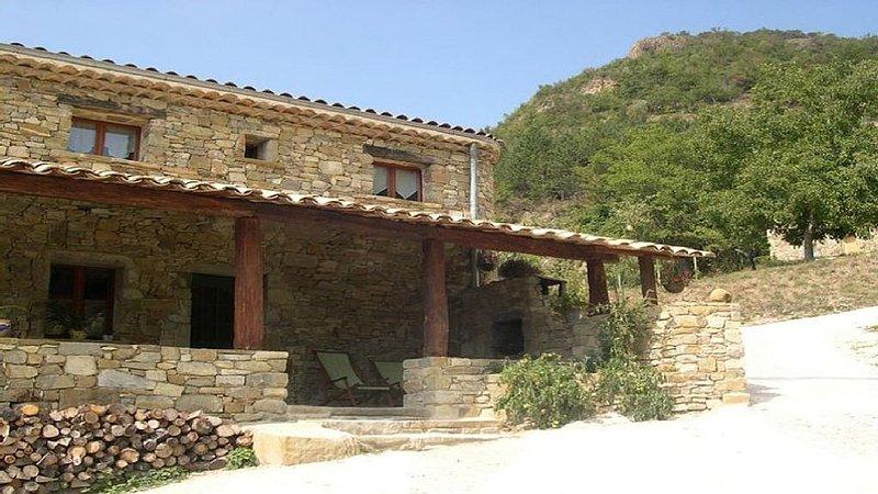 La Grange, Domaine privé de 200 ha entouré de lavande en pleine montagne, aluguéis de temporada em Sahune