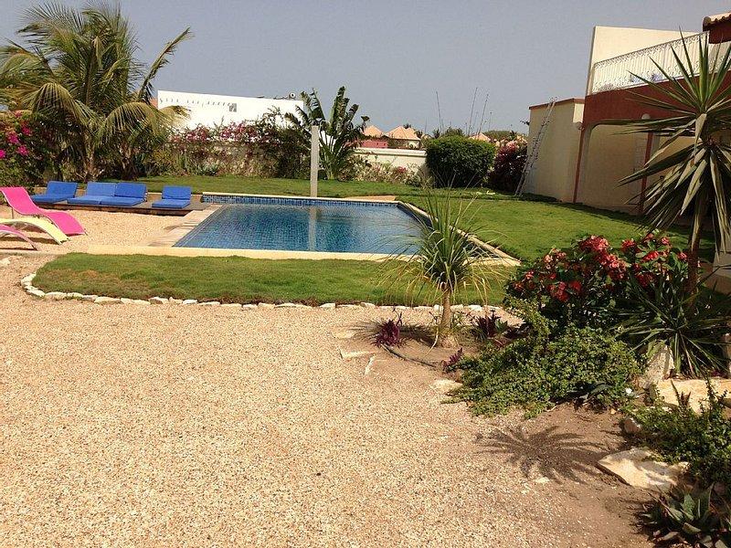 Superbe villa Saly avec piscine privée, plage à 100 m, femme de ménage compris, vacation rental in La Petite Cote