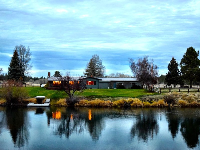 Beautiful Ranch On The Williamson River, location de vacances à Chiloquin