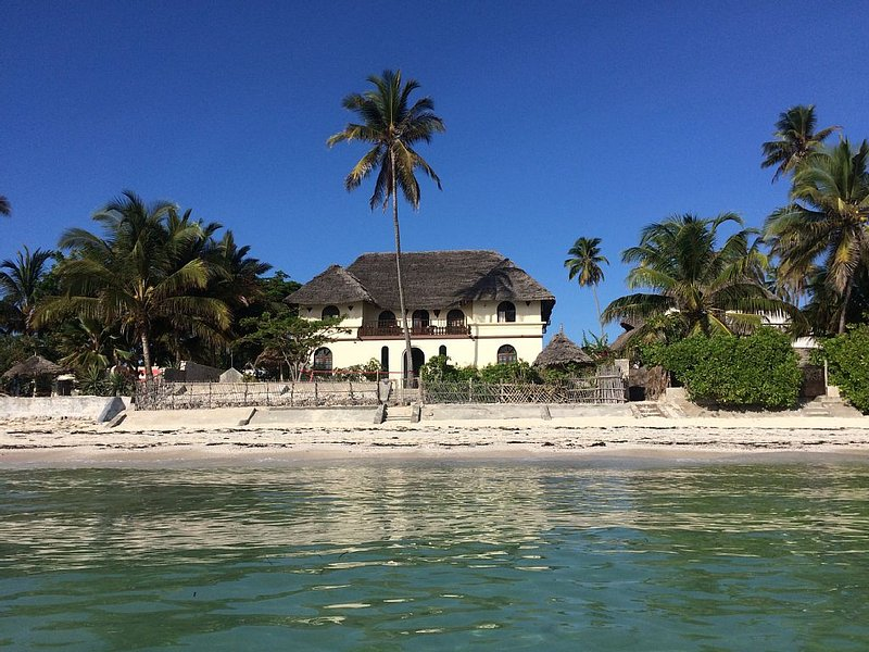 Seafront private villa at Jambiani Beach, Zanzibar, vacation rental in Zanzibar Island