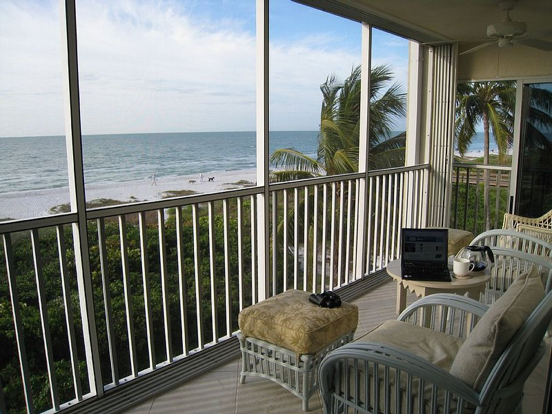 Surfside #122 - View Sunrises from Bed! Closest Gulf Front w/Panoramic Views!, vacation rental in Sanibel Island