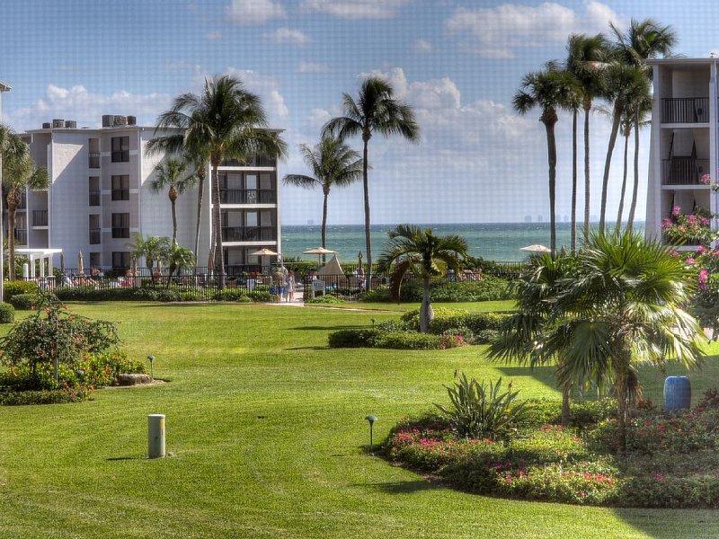 Sundial C208: Wonderfully Updated 1 Bedroom with Amazing Views of the Gulf!, location de vacances à Île de Sanibel