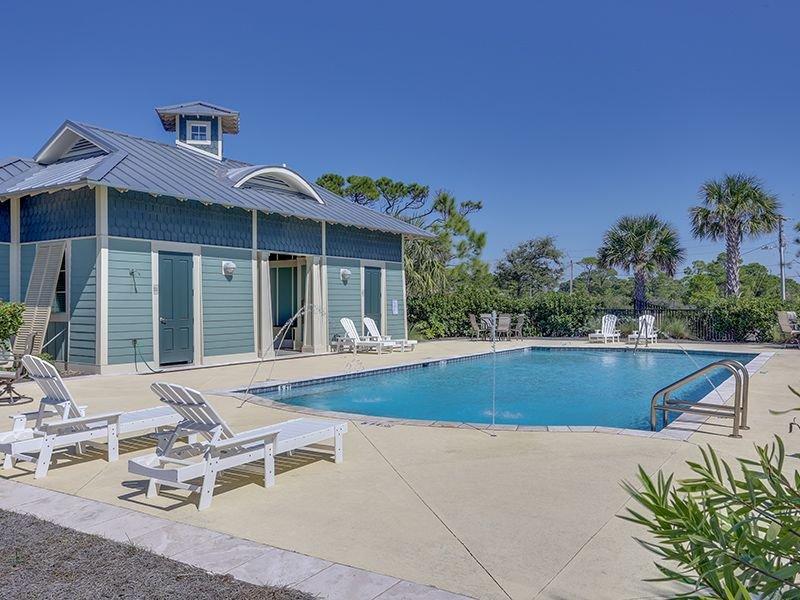 Gulf side pool near home