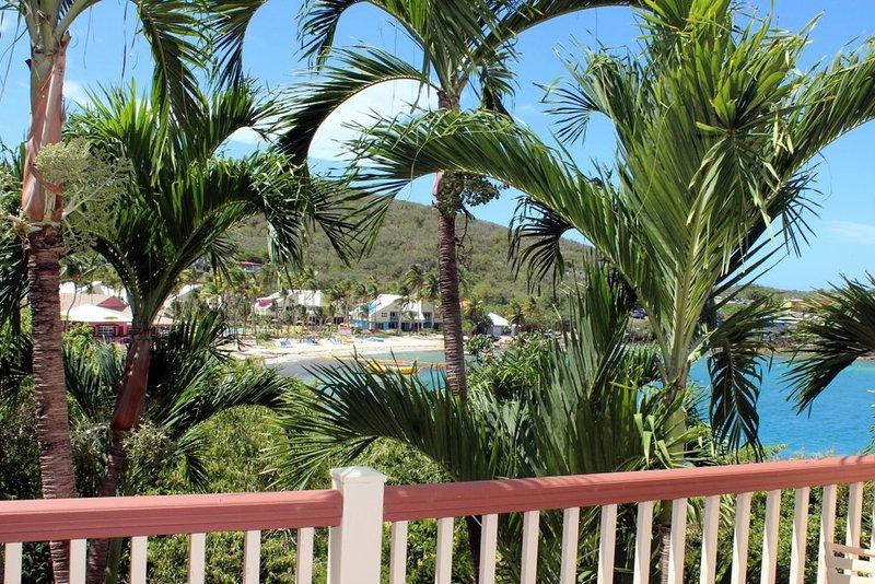 Resort 1 Bedroom Tropical View Suite (resort privileges), vacation rental in Tutu
