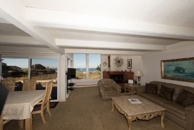 Monterey Dunes Beachfront surf sand and private hot tub...Book now without wait, vacation rental in Marina
