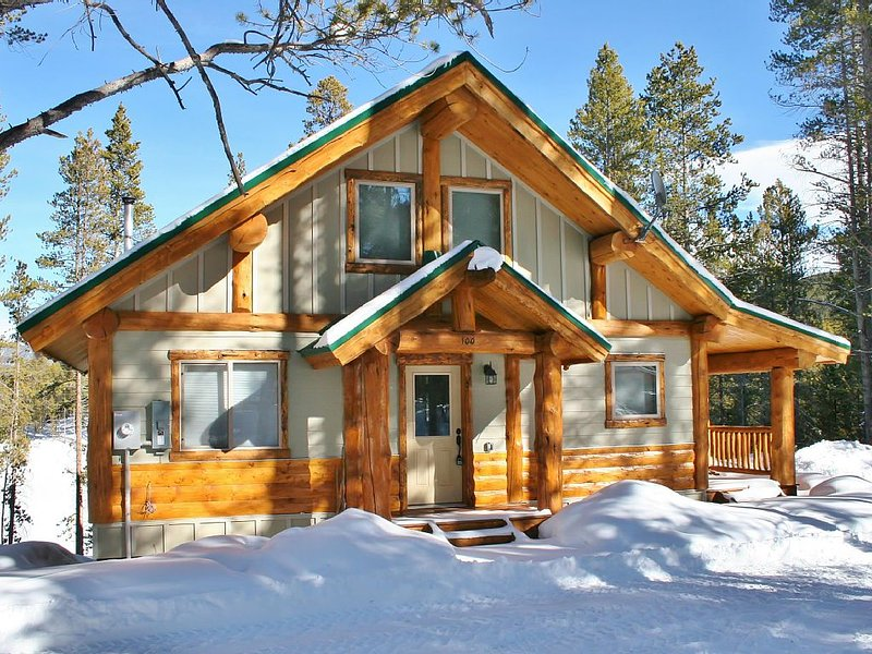 Bear's Den - Cabin in the Woods minutes to Ski Cooper!, vacation rental in Leadville