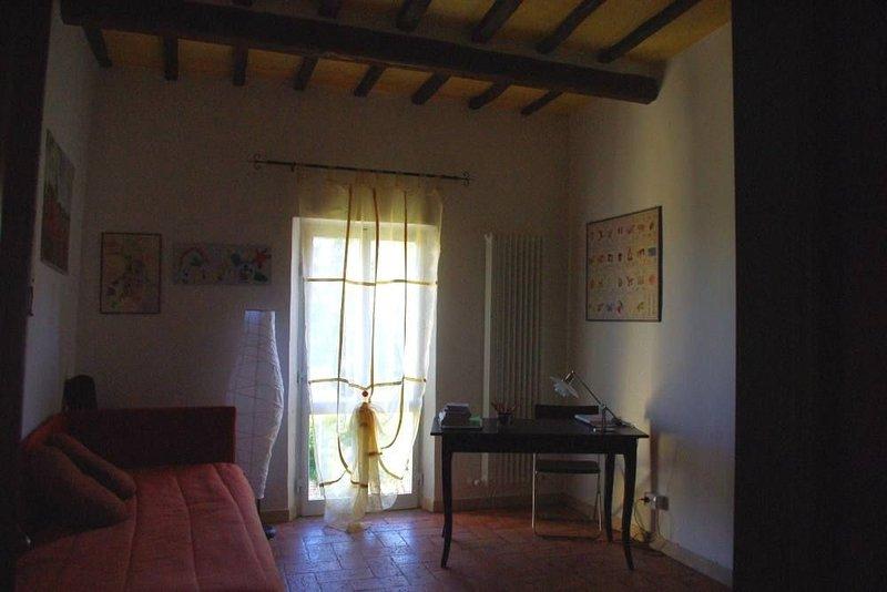 Grazioso e antico appartamento in Siena, holiday rental in Siena