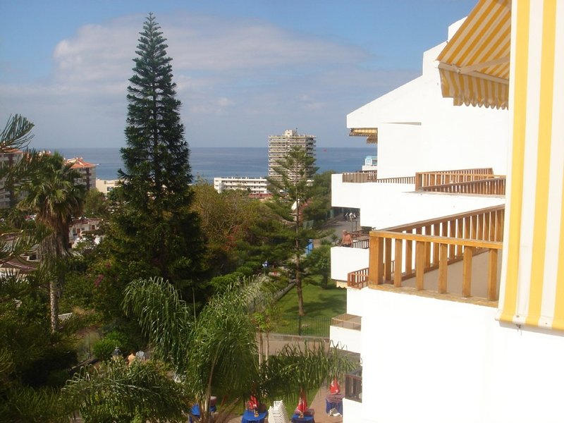 Stunning 2 bed penthouse apartment in Cristian Sur, Los Cristianos – semesterbostad i Los Cristianos