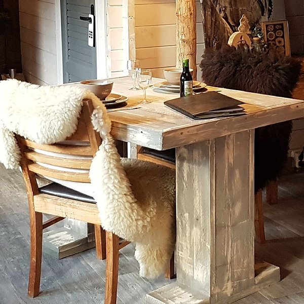 Wooden luxury chalet in a quiet place near the beautiful nature., holiday rental in Heiloo