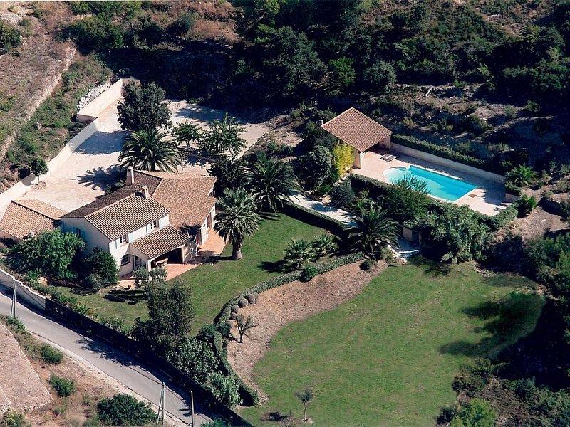 Limite Bandol, 10 pers, chambres climatisées, piscine privée, 230m2, 10min plage, holiday rental in La Cadiere d'Azur