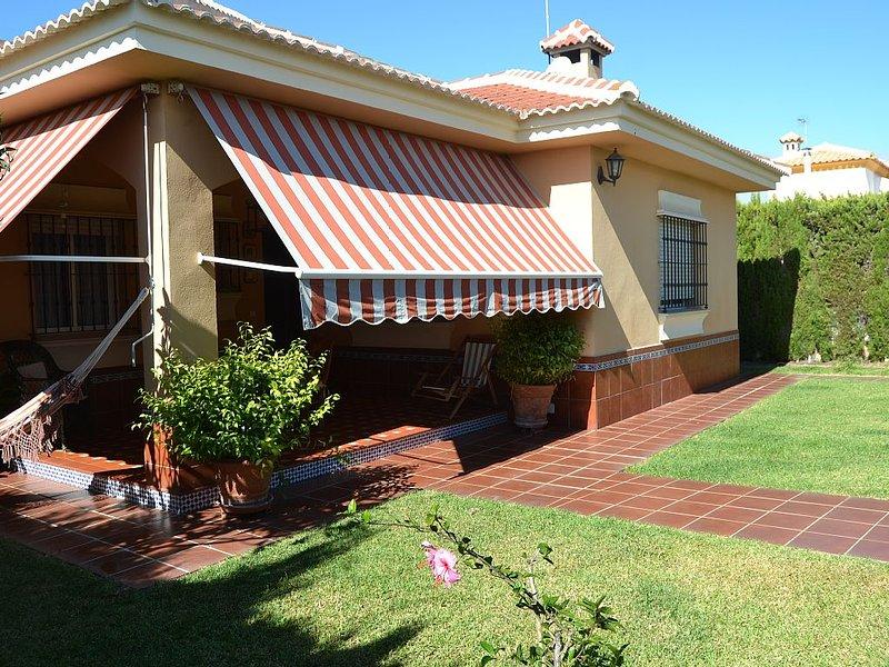 Chalet familiar muy confortable, situado entre la playa y el Parque  Doñan, alquiler vacacional en Almonte