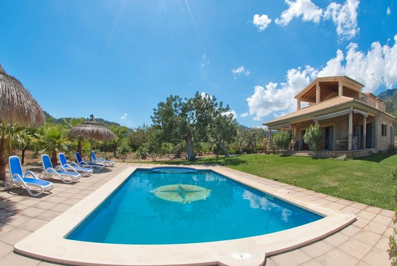 ESCUDER - Villa for 8 people in Selva., vacation rental in Selva