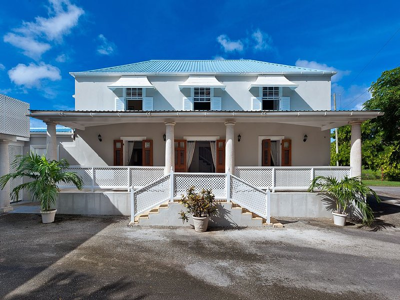 Traditional family friendly plantation property in scenic location, holiday rental in Saint Lucy Parish