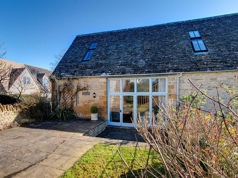 Charming Listed Country Cottage in the picturesque village of Lower Swell, casa vacanza a Stow-on-the-Wold