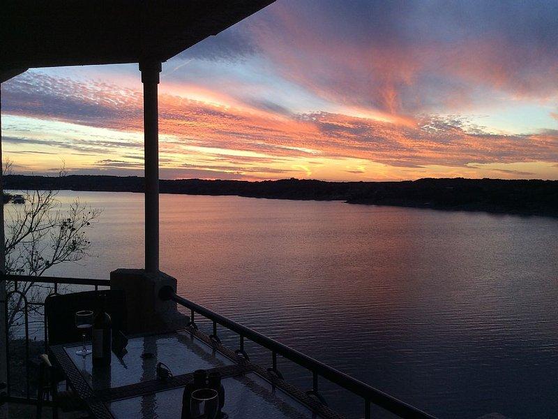 UNIT 3321 - Luxury Villa at Island Resort with Amazing Panoramic Lakefront Views, casa vacanza a Lago Vista