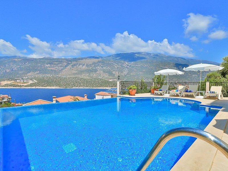 Luxury detached villa with pool - exclusive Kas Peninsula, vacation rental in Kas