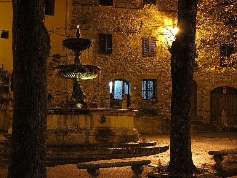 Casa toscana nel borgo medievale di Castiglione d'Orcia, holiday rental in Gallina