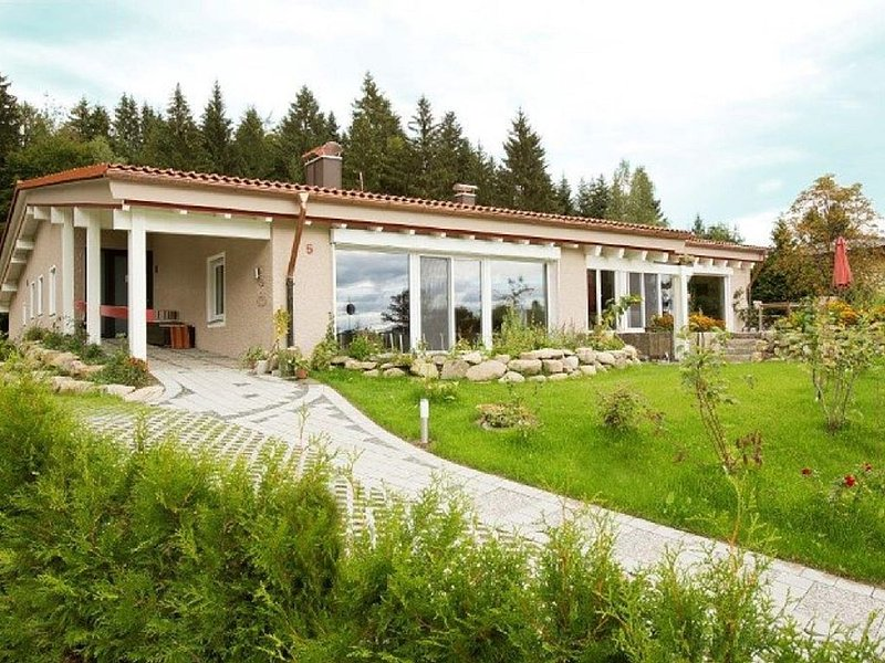 Ankommen - Urlauben - Auftanken im 'Haus am Waldpark', holiday rental in Langenegg