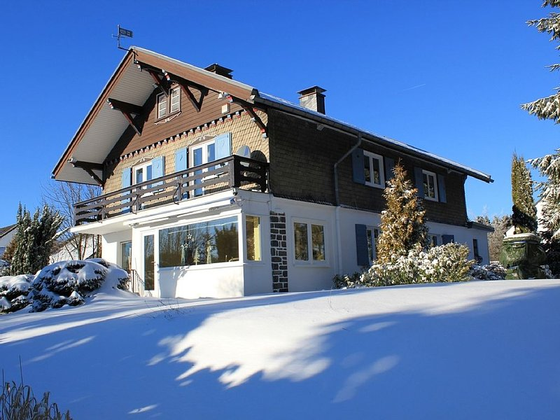 Holiday home in Winterberg City 5 stars (DTV) with spa u. Sauna, aluguéis de temporada em Winterberg