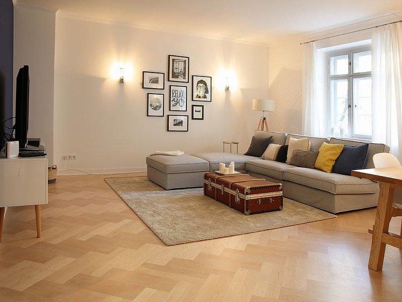 Peaceful and stylish Kudamm / Olivaer Platz Kiez-location, vacation rental in Berlin