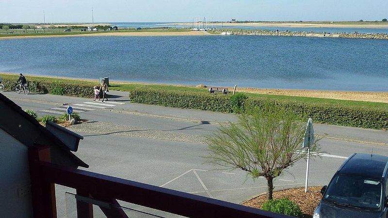 Face à la mer, à ETEL, appt 3 pièces, tout confort., location de vacances à Etel