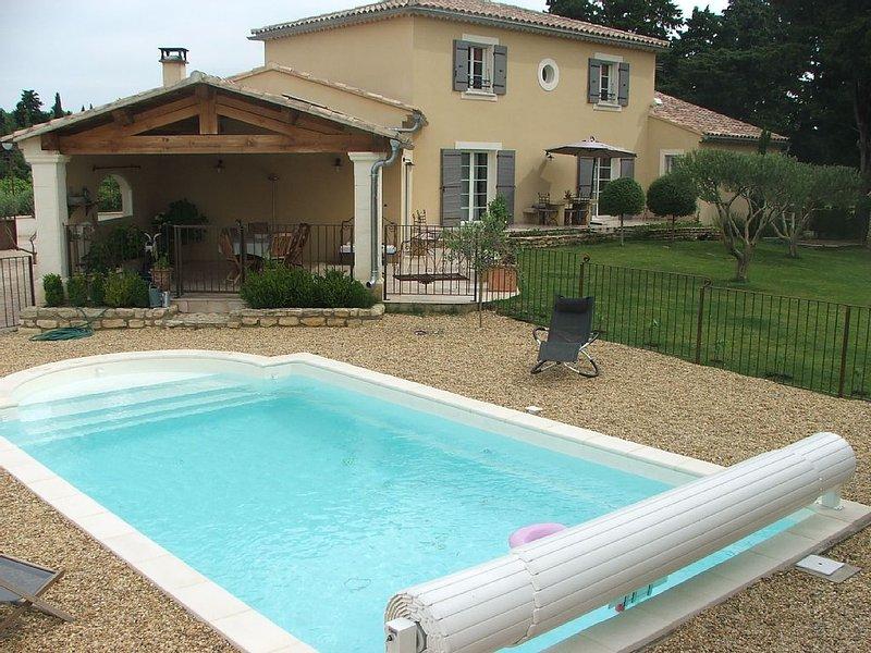 MAISON AU CALME PLEIN DE CHARME, location de vacances à Suze-la-Rousse