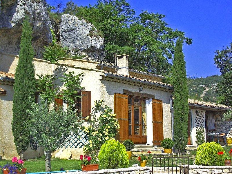 la maison au pied du rocher