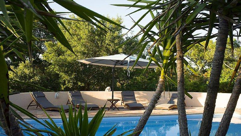 Villa avec piscine privée, Porto Vecchio, pour 6 personnes, vacation rental in Sotta