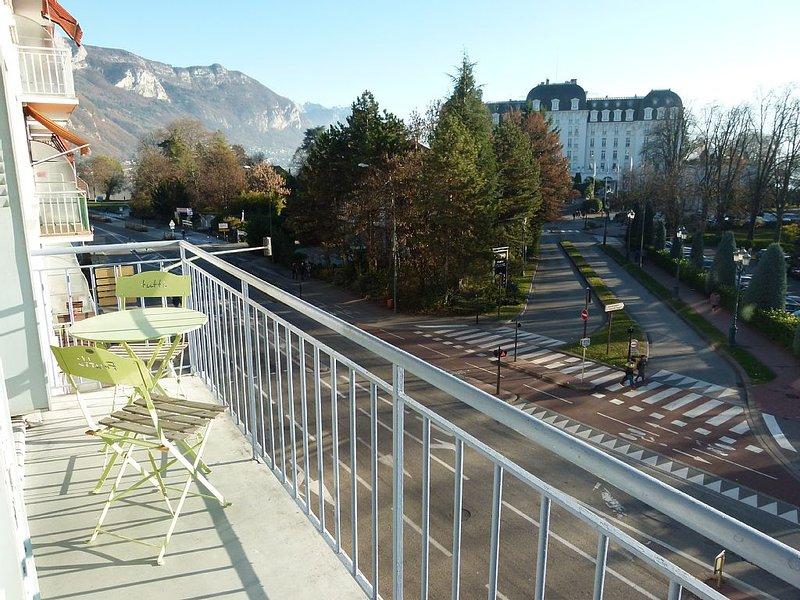 Appartement plein sud face au lac et au casino de l'Impérial - Parking., vakantiewoning in Annecy