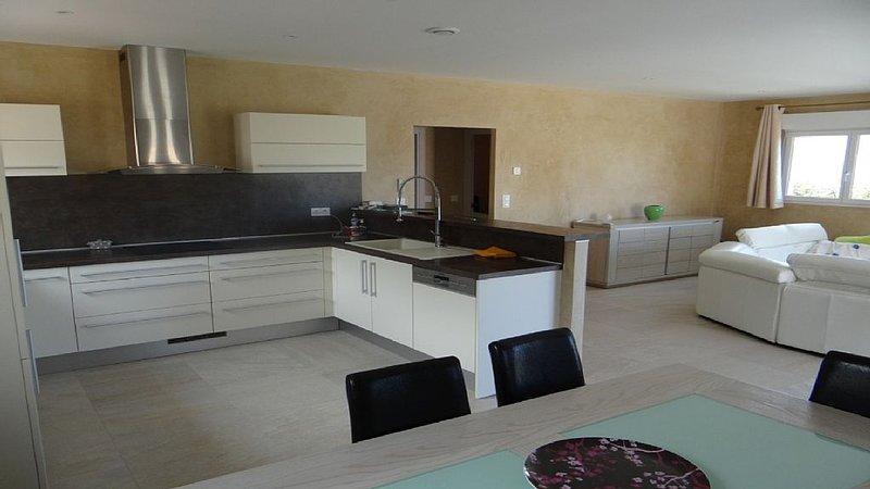 Villa climatisée à proximité de CALVI, lotissement fermé – semesterbostad i Calvi